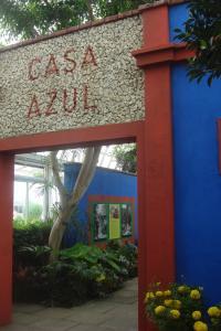 Casa Azul Tropical Garden Bronx Horticultural Garden June 2015-01