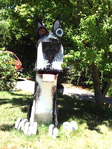 Patrick Amiot sculpture, Sebastopol, CA on July 7 4